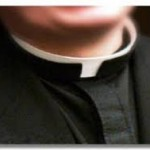 """L'annuncio choc del prete: """"Lascio"""""""