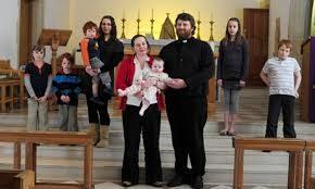Per mancanza di prete si chiude la chiesa. Si offrono i sacerdoti sposati