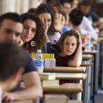 Religione a scuola e insegnanti laici