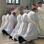 Preti sposati in servizio in ogni chiesa chiusa nel mondo dopo Sinodo Amazzonia. Ecco come far rinascere la Chiesa